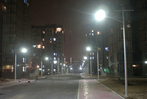 solar-powered-street-light