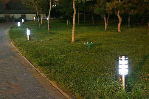 solar powered LED lawn light