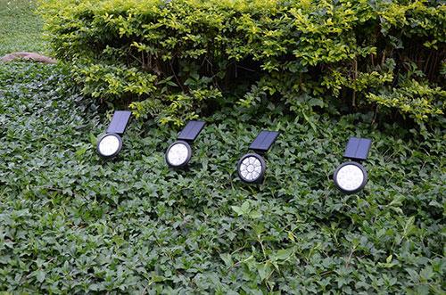 solar-lawn-light-for-landscape
