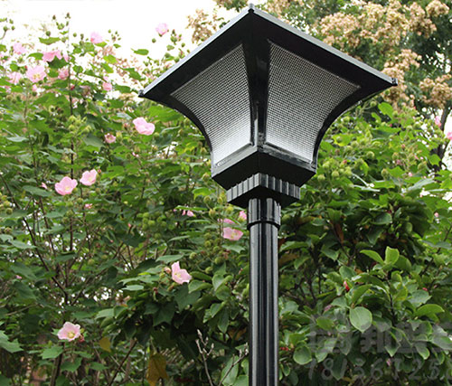 Solar-Powered-Outdoor-Garden-Lights